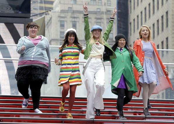 Heather+Morris+Glee+takes+over+Times+Square+jOHOhrOS3Uql.jpg